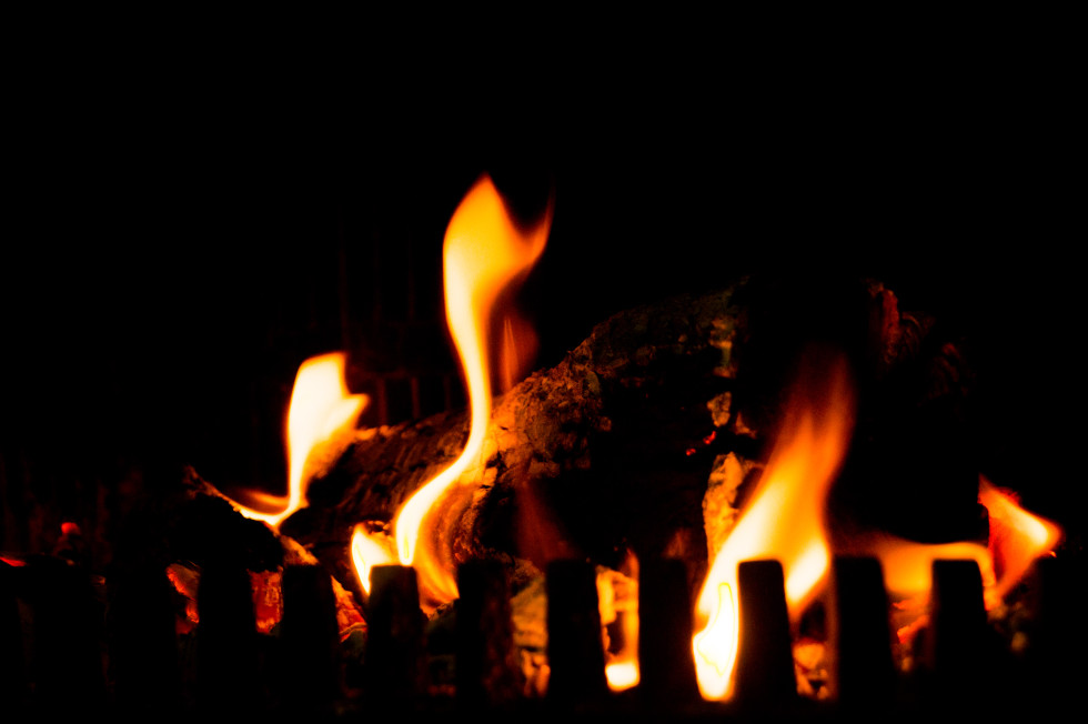 fireplace-free-license-cc01-980x652
